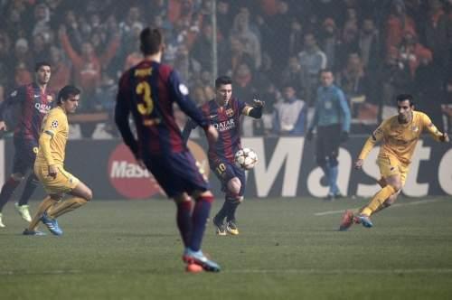 http://img02.mundodeportivo.com/2014/11/25/Barcelona-s-Lionel-Messi-cente_54420237640_54115221152_960_640.jpg