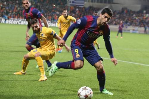 http://img02.mundodeportivo.com/2014/11/25/Barcelona-s-Luis-Suarez-right-_54420728215_54115221152_960_640.jpg