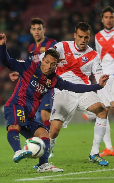 http://img02.mundodeportivo.com/2014/12/16/FC-Barcelona-Huesca-Foto-PEP-M_54421900145_54115221157_400_640.jpg