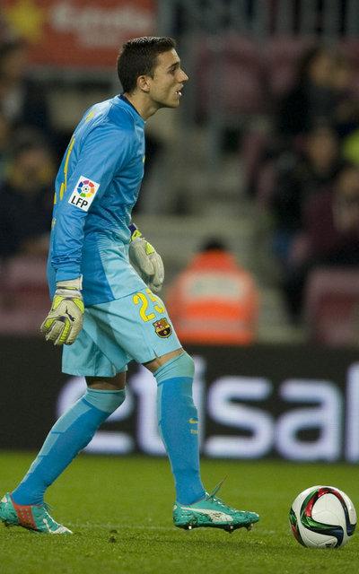 http://img02.mundodeportivo.com/2014/12/16/FC-BARCELONA-HUESCA-COPA-DEL-R_54421899438_54115221157_400_640.jpg