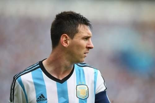 Lionel Messi - Nigeria v Argentina: Group F
