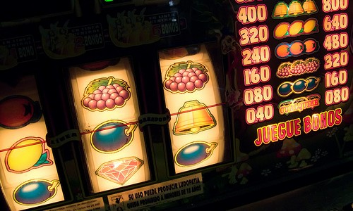 Обзор сайта http://777online-slots.net/игровые-автоматы/играть-бесплатно/клубнички/
