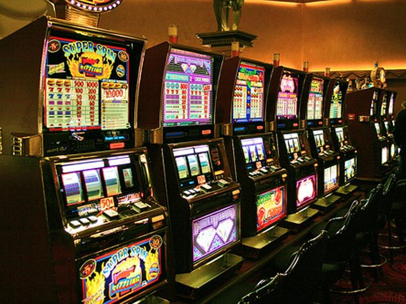 Игровые автоматы: преимущества онлайн режима